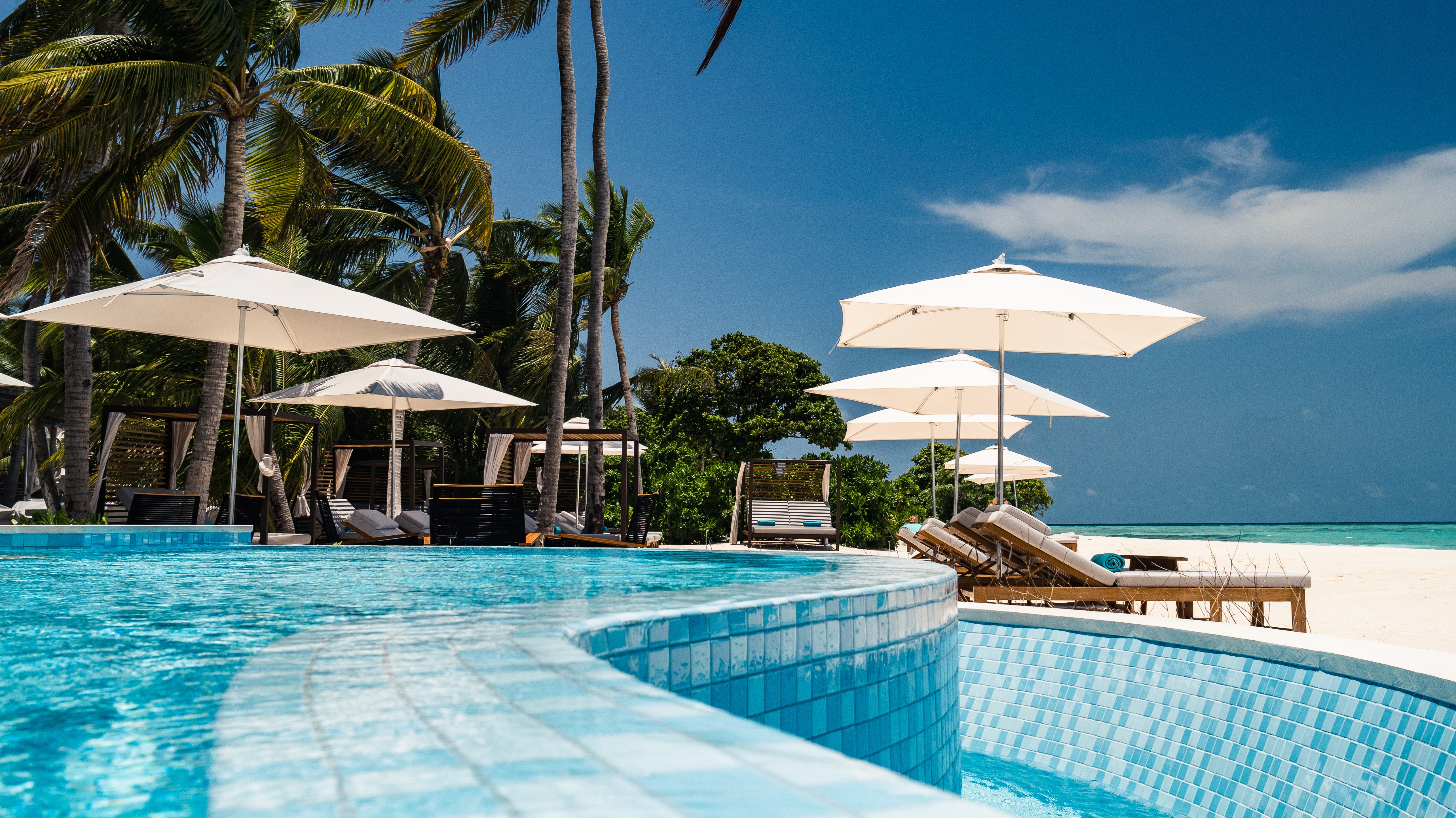 Should you use points or cash to book hotels?